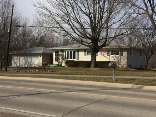 3612 Indianwood Road Photo 1