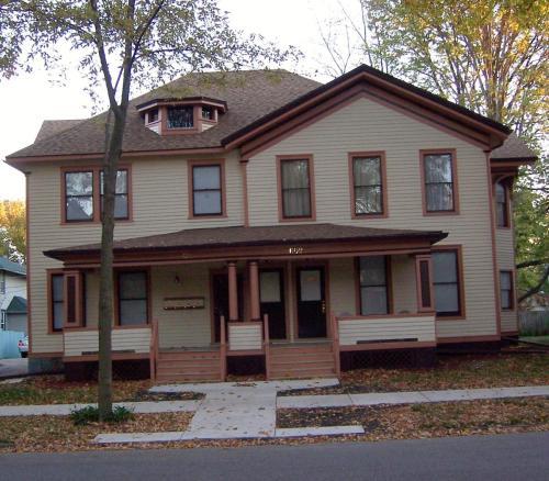 611 E Grove Street #1 Photo 1