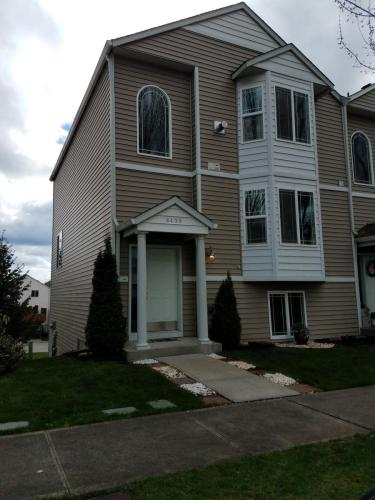 8435 13th Avenue SE #TOWNHOUSE Photo 1