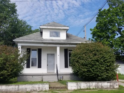 1106 N Morton Avenue Photo 1
