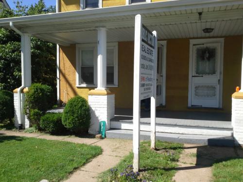 3375 Main Street Photo 1