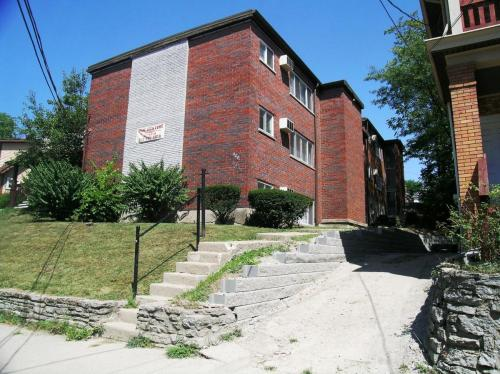 206 Atkinson Street #SMALL STUDIO Photo 1