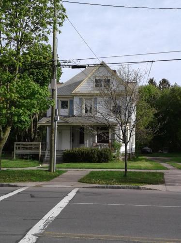 61 E Genesee Street Photo 1