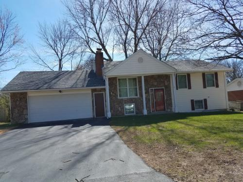 11528 Mack Avenue Maryland Heights Mo 63043 Hotpads