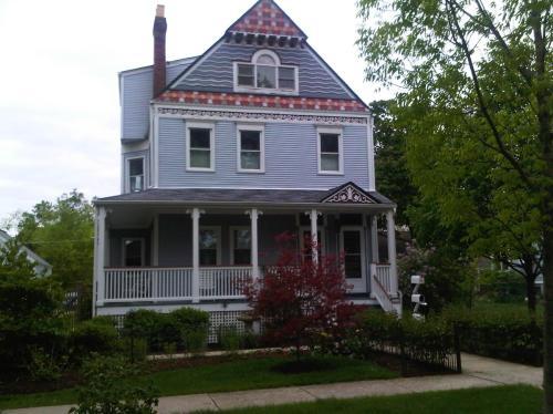 142 N Larch Avenue Photo 1
