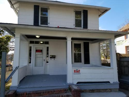 5012 Ivanhoe Avenue Photo 1