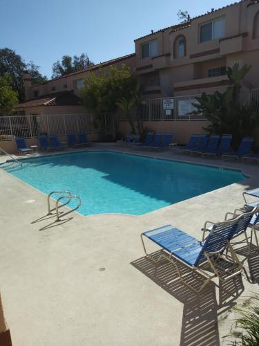 3101 Plaza Del Amo Photo 1