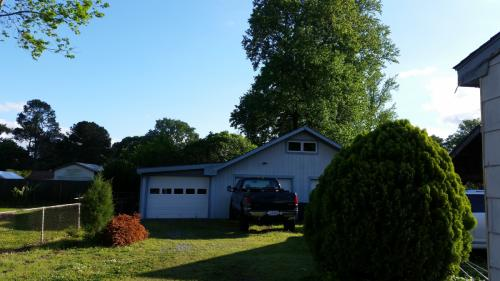 2825 N Shore Drive Photo 1