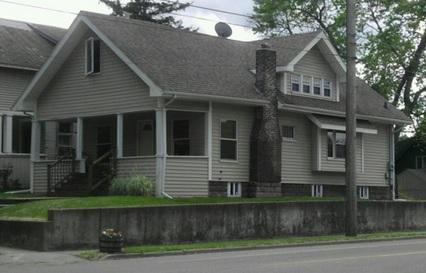 400 Lathrop Street Photo 1