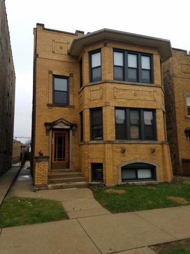 5834 N Maplewood Avenue #1 Photo 1