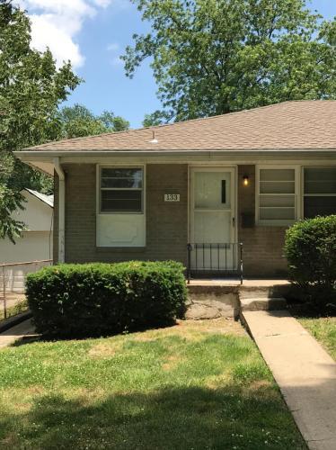 133 S Fuller Street Photo 1