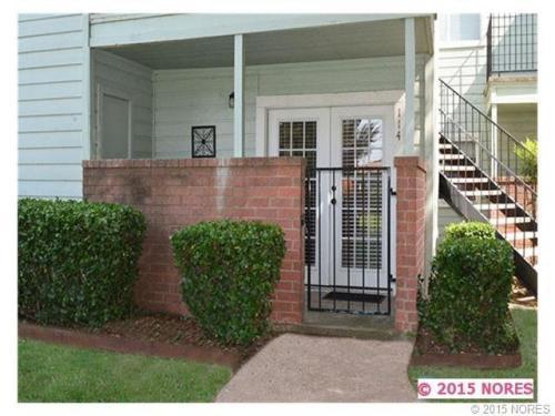 6663 S Victor Avenue Photo 1