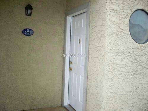 2962 Juniper Hills Boulevard Photo 1