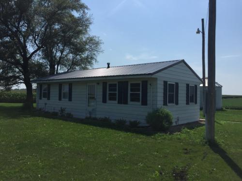 6891 White Oak Avenue SE Photo 1