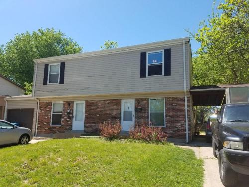 2127 Campus Drive #FIRST Photo 1