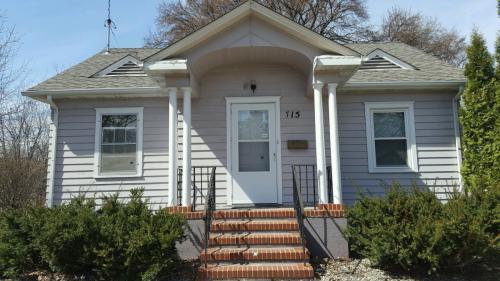 715 9th Street S Photo 1