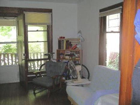 211 W Illinois Street #2 Photo 1