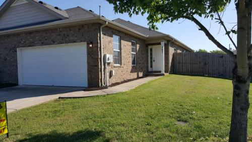 367 Cottage Drive Photo 1