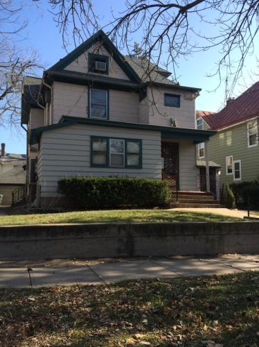624 N Linn Street Photo 1
