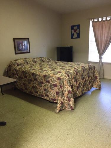 1111 San Antonio Street Photo 1