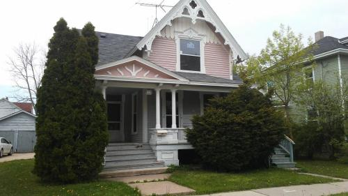 723 Frederick Street #725 UPPER Photo 1