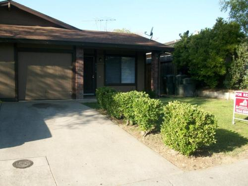 5216 Karm Way Photo 1