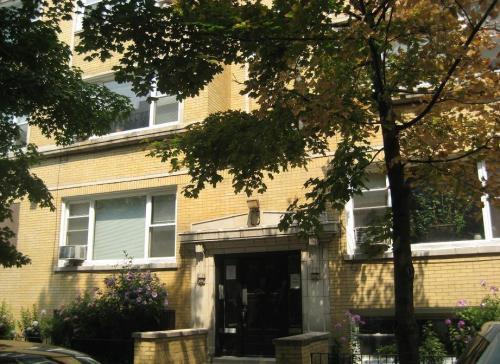 448 W Arlington Place Photo 1