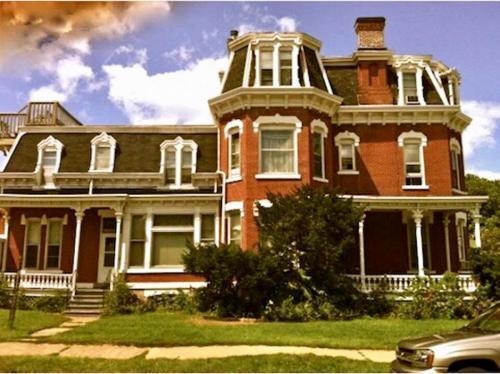 1611 Main Street #1 Photo 1