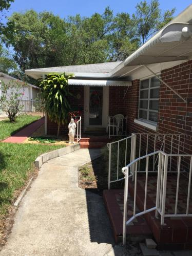1042 Cumberland Street Photo 1