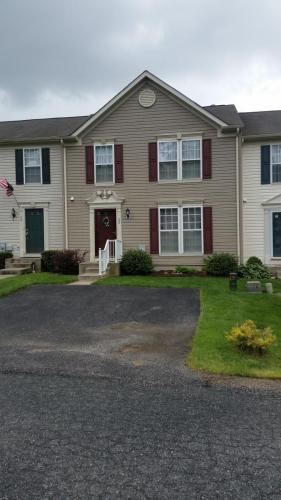 52 Guilford Court Photo 1