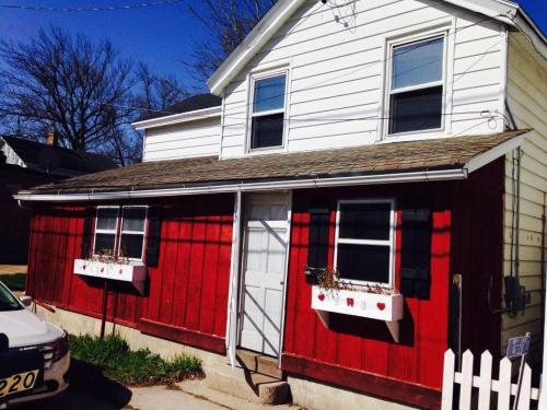 4222 S Beaumont Avenue Photo 1