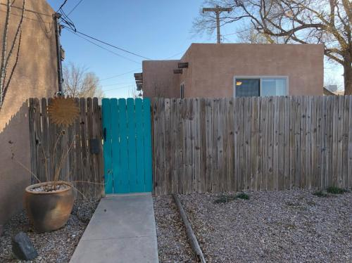 702 E Country Club Road #CASITA Photo 1