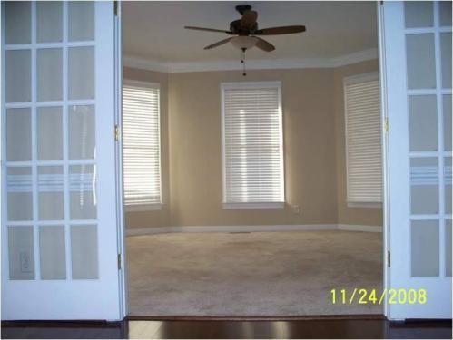 200 W 33rd Street #HOUSE Photo 1