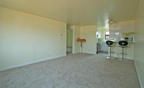 10347 Midvale Avenue N Photo 1