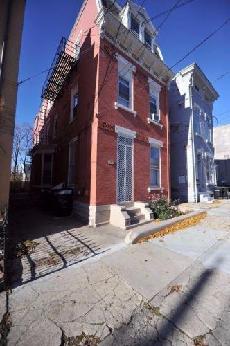 2233 Victor Street #2 Photo 1