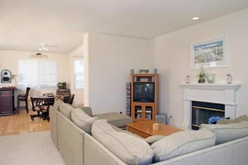 339 Sterling Way Photo 1