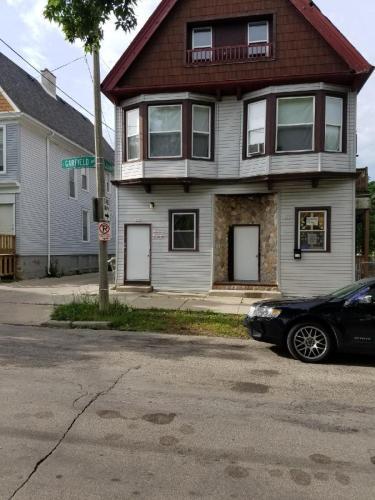 325 E Garfield Avenue Photo 1
