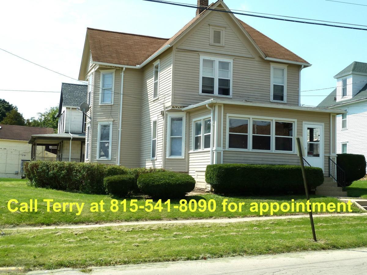 120 S Cherry Avenue Apt 1 Freeport Il 61032 Hotpads