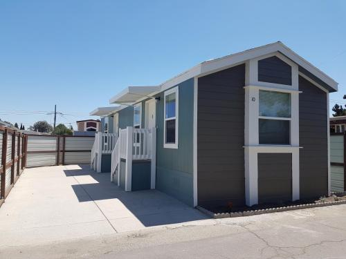 1740 N Santa Fe Avenue Sp 10 Photo 1