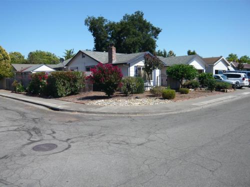 320 Fenwick Drive Photo 1