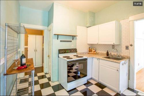 428 S Haven Street Photo 1