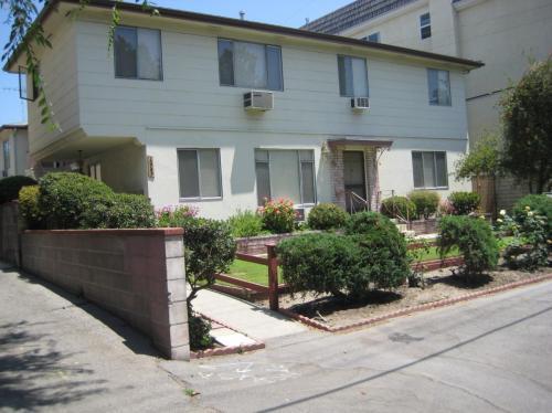 10749 Camarillo Street #1ST FLOOR Photo 1