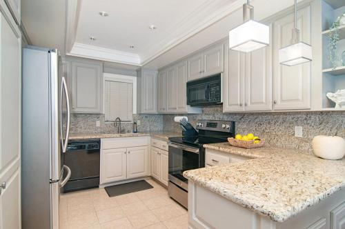 286 Dolphin Cove Court Photo 1