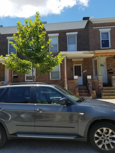 418 N Bouldin Street #TOWNHOUSE Photo 1