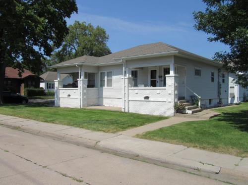 503 S Cedar Street Photo 1