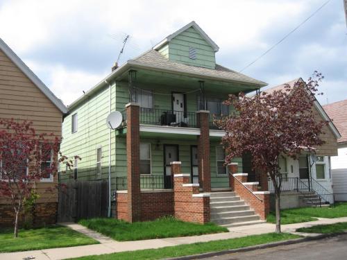 2241 Bernard Street #1E Photo 1