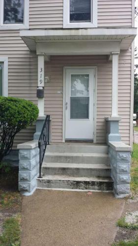 319 W Franklin Street Photo 1