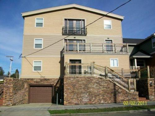 3608 NE 44th Street Photo 1