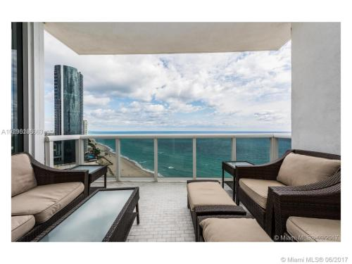18200 Collins Ave #3308 Photo 1
