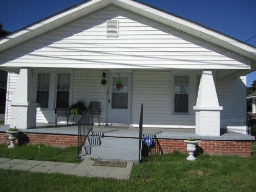 1305 S Slocumb Street Photo 1